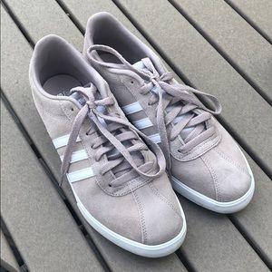 Adidas shoes sz 9.5